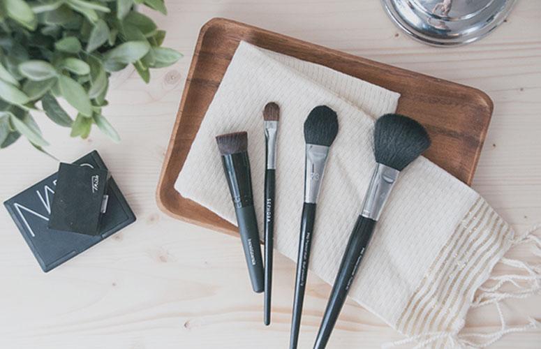 kako očistiti četkice za šminku